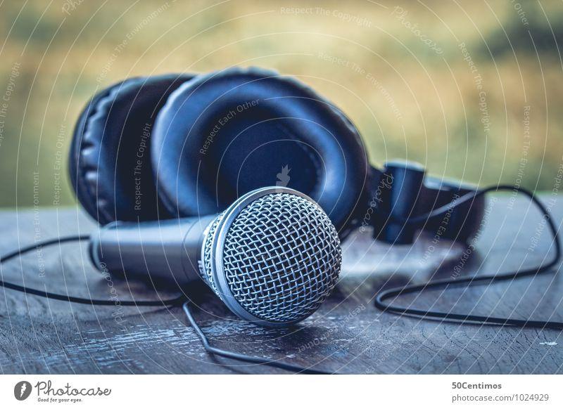 DJ - Party - Microphone Stil Nachtleben Entertainment Veranstaltung Musik Club Disco Lounge Diskjockey clubbing Headset Mikrofon Kopfhörer Spielen blau Stimmung