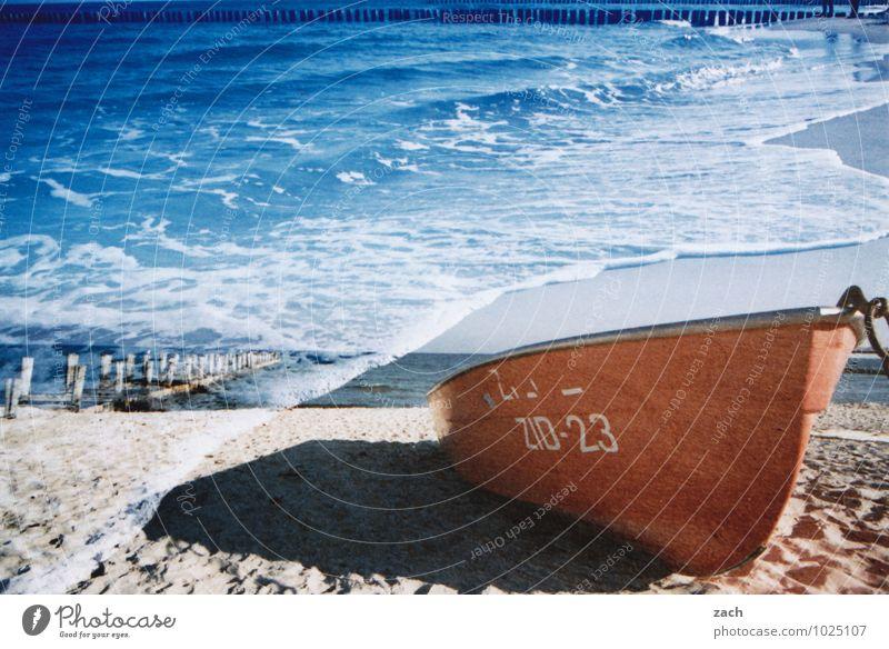 unter Wasser blau Sommer Meer Strand Küste Schwimmen & Baden Wellen Schönes Wetter Ostsee Sommerurlaub analog Doppelbelichtung Ruderboot maritim Buhne Fischerboot