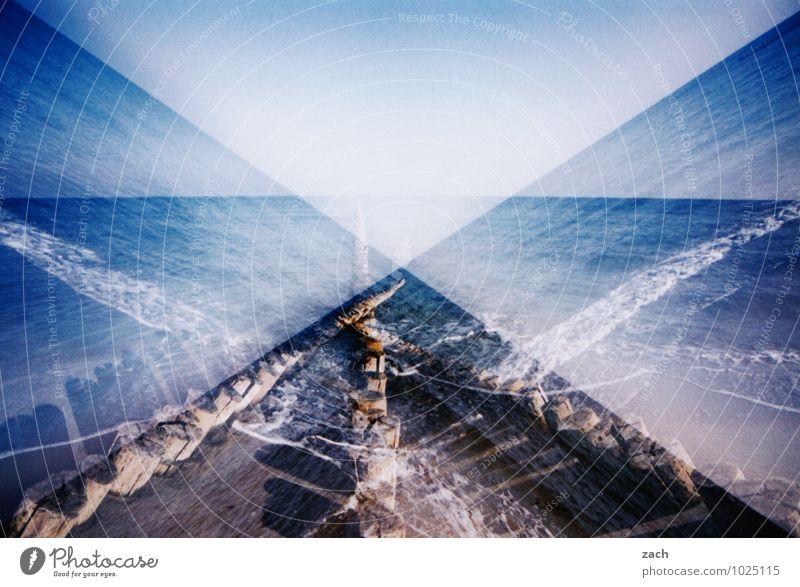 Fifty Shades of Blue Ferne Sommerurlaub Strand Meer Wellen Himmel Küste Ostsee Wasser Linie maritim blau träumen Dia Doppelbelichtung Scan analog Surrealismus