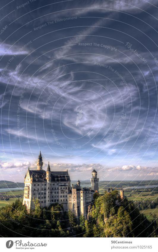 Schloss Neuschwanstein Himmel Ferien & Urlaub & Reisen Sommer Landschaft ruhig Wolken Wald Wiese Lifestyle Deutschland träumen Tourismus elegant Ausflug