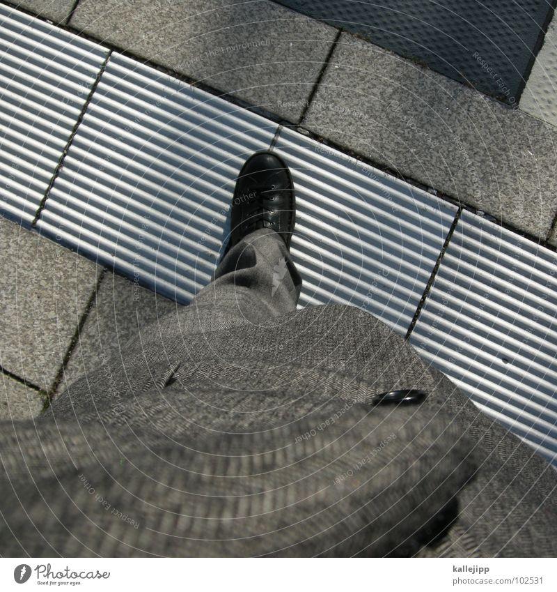 mind the gap grau Beine Arbeit & Erwerbstätigkeit Schuhe Bekleidung Perspektive stehen Coolness Bodenbelag Stoff Jacke Fliesen u. Kacheln Hose Ladengeschäft