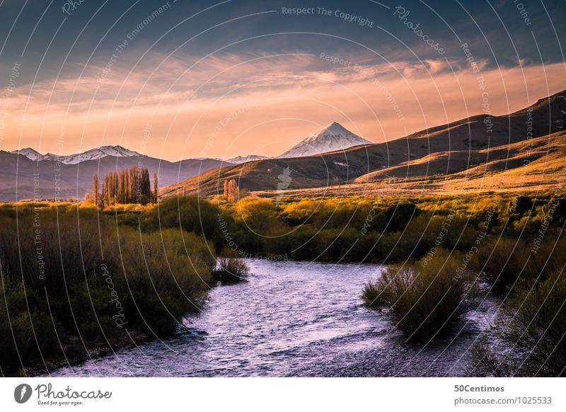 A beautiful Landscape in Patagonia Natur Ferien & Urlaub & Reisen Sommer Wasser Landschaft Wolken Ferne Berge u. Gebirge Umwelt Wiese Tourismus Freiheit Ausflug