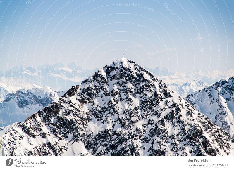 Das ist doch der Gipfel Natur Ferien & Urlaub & Reisen Landschaft Ferne Winter Berge u. Gebirge Umwelt Gefühle Schnee Freiheit Felsen Freizeit & Hobby Eis Tourismus Ausflug Schönes Wetter