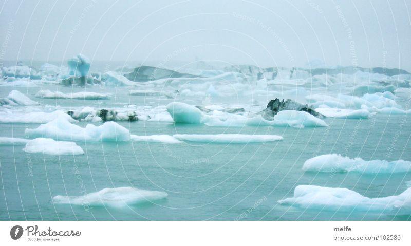 mein sommerurlaub... Wasser Himmel blau Winter ruhig Ferne kalt grau Eis nass frieren friedlich schmelzen Eisscholle azurblau Eissee