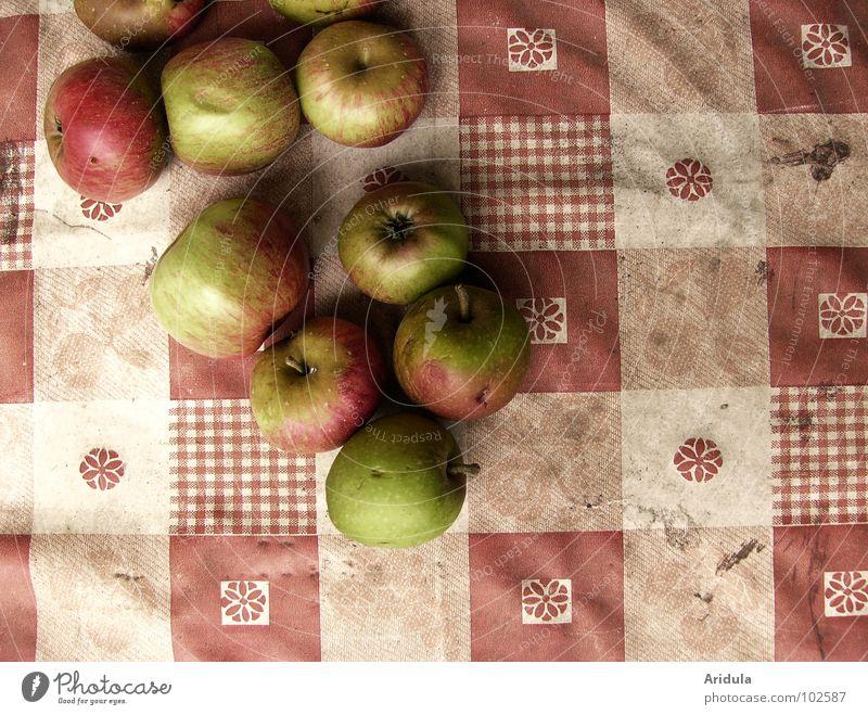 frühherbst weiß grün rot Ernährung Herbst Gesundheit dreckig Frucht Tisch fallen Vergänglichkeit Apfel Quadrat lecker Ernte Decke