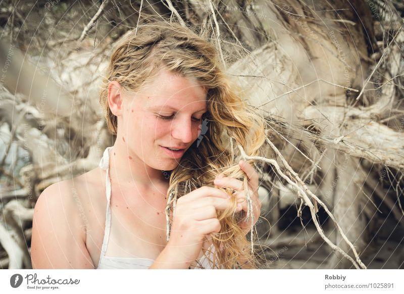 Perle de la plage II Mensch Frau Kind Natur Ferien & Urlaub & Reisen Jugendliche schön Baum Junge Frau Erholung ruhig Erotik 18-30 Jahre Erwachsene feminin Glück