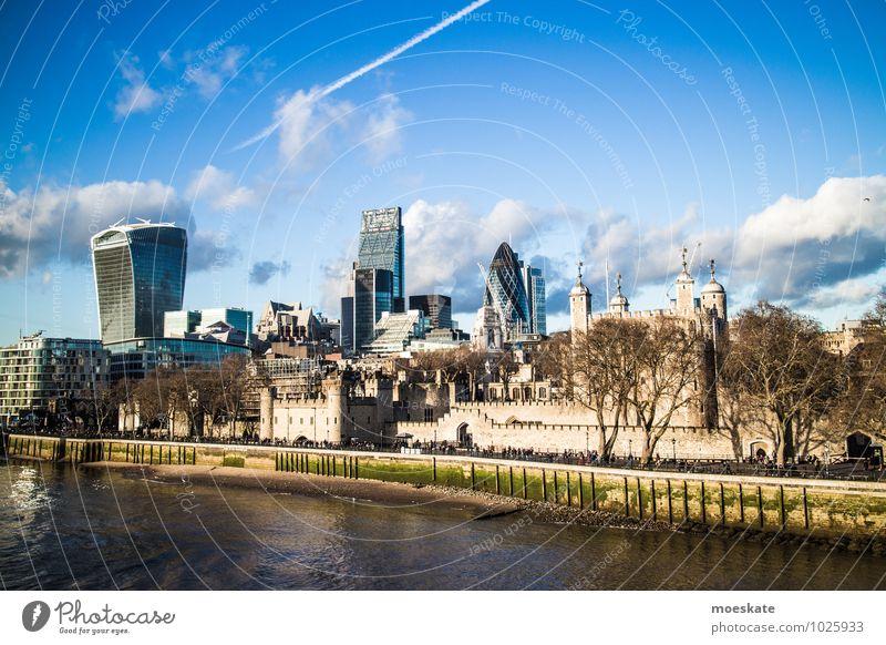 London Stadt Hauptstadt modern Tower of London Hochhaus Themse Farbfoto Außenaufnahme Textfreiraum oben Textfreiraum unten Tag Starke Tiefenschärfe Totale