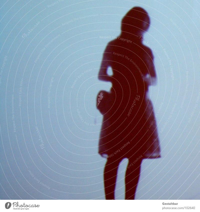 Schattenspiel 06 Frau feminin Silhouette frei geheimnisvoll stehen In sich gekehrt Denken Tasche Porträt Aussicht Gute Laune gestaltbar Ausstellung