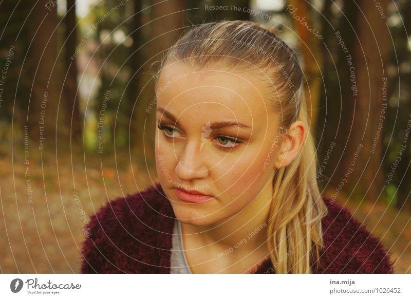 - Mensch feminin Junge Frau Jugendliche Erwachsene Gesicht 1 18-30 Jahre Haare & Frisuren blond langhaarig Zopf Denken Erholung träumen Traurigkeit warten