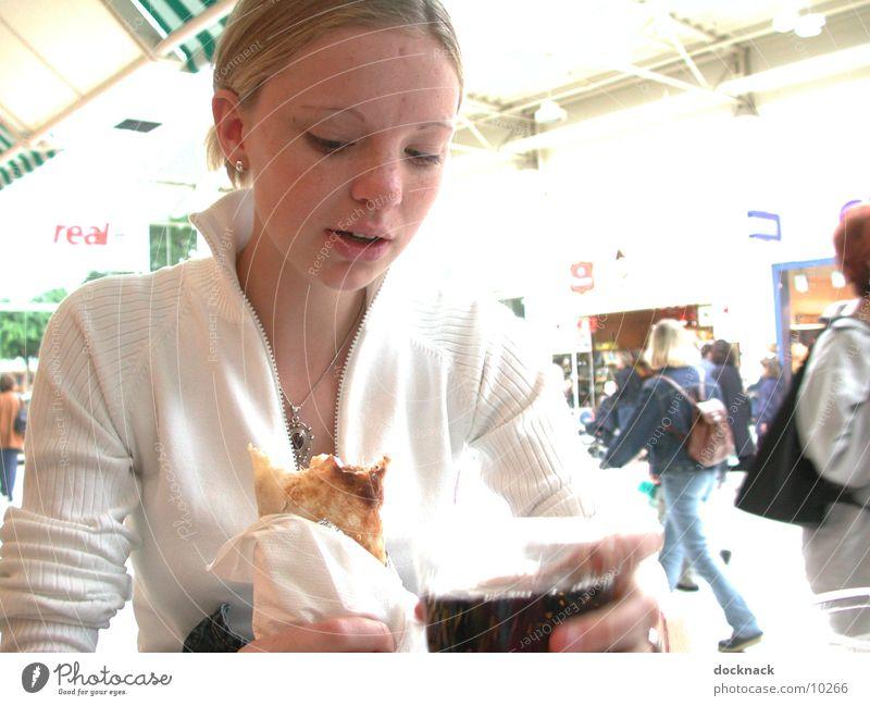 Kleiner Snack Mensch Jugendliche Ernährung Mahlzeit