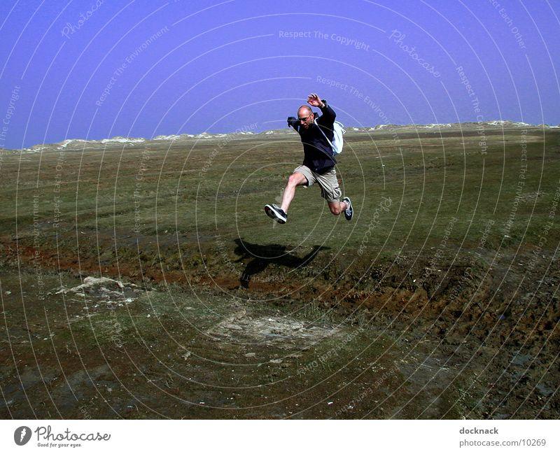 Springtime Mensch Mann springen Graben