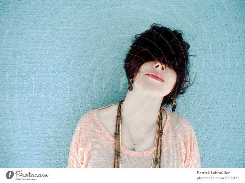 Zottelmütze Mensch Jugendliche schön Junge Frau Freude 18-30 Jahre Erwachsene Gesicht feminin Haare & Frisuren außergewöhnlich Mode Körper verrückt ästhetisch