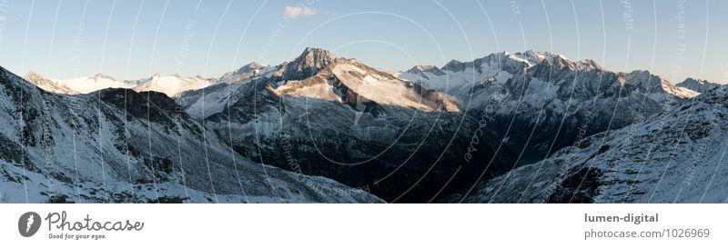 Sonnenaufgang in den Zillertaler Alpen Natur blau weiß Sommer Landschaft Winter Umwelt Berge u. Gebirge Schnee Stein Felsen Wolkenloser Himmel Bild Österreich