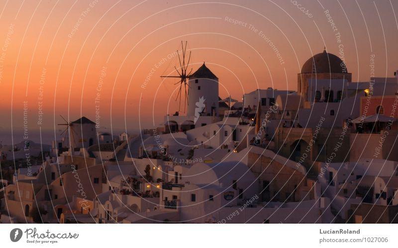roter Himmel hinter der historischen Mühle von Oia Erholung ruhig Ferien & Urlaub & Reisen Wolkenloser Himmel Sonnenaufgang Sonnenuntergang Sonnenlicht