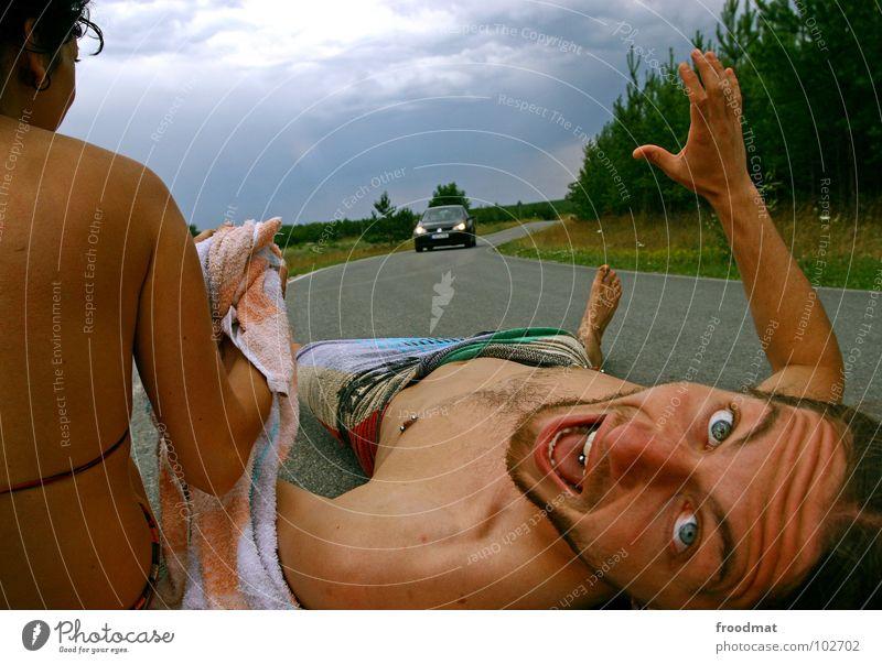 oh oh Deutschland Sommer erschrecken Unfall Piercing Hand Handtuch Aktion Wolken Jugendliche froodmat PKW Auge Straße Angst schreien horiont Himmel Rücken