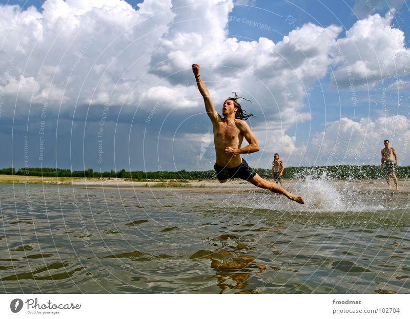 superman Wasser Himmel Sommer Freude Strand Wolken springen Deutschland fliegen Aktion Schwimmen & Baden spritzen