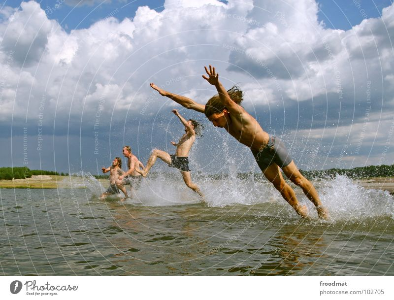 ready to take off Wasser Himmel Sommer Freude Strand Wolken springen See Wärme Deutschland Aktion Physik Schwimmen & Baden spritzen