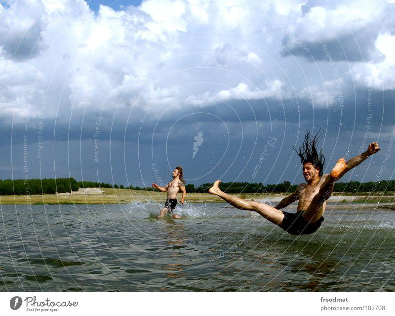 plitsch platsch Jugendliche Wasser Ferien & Urlaub & Reisen Sommer Freude Wolken Bewegung springen See Deutschland Schwimmen & Baden fliegen Freizeit & Hobby