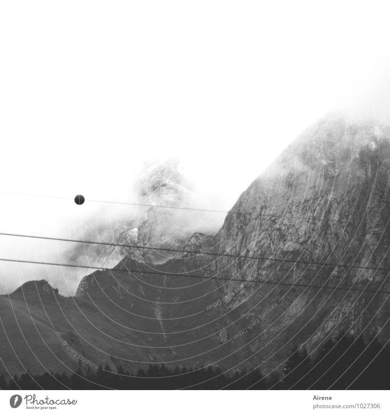 beginnende Sehstörung Himmel weiß Landschaft Wolken schwarz dunkel Wald Berge u. Gebirge grau Felsen Angst Nebel bedrohlich Seil Abenteuer Gipfel