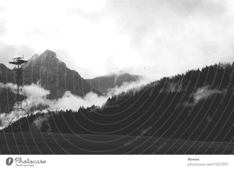 nach dem Regenschauer Landschaft Wolken Berge u. Gebirge natürlich Metall Nebel Gipfel Alpen Schweiz positiv Seilbahn Drahtseil Erleichterung