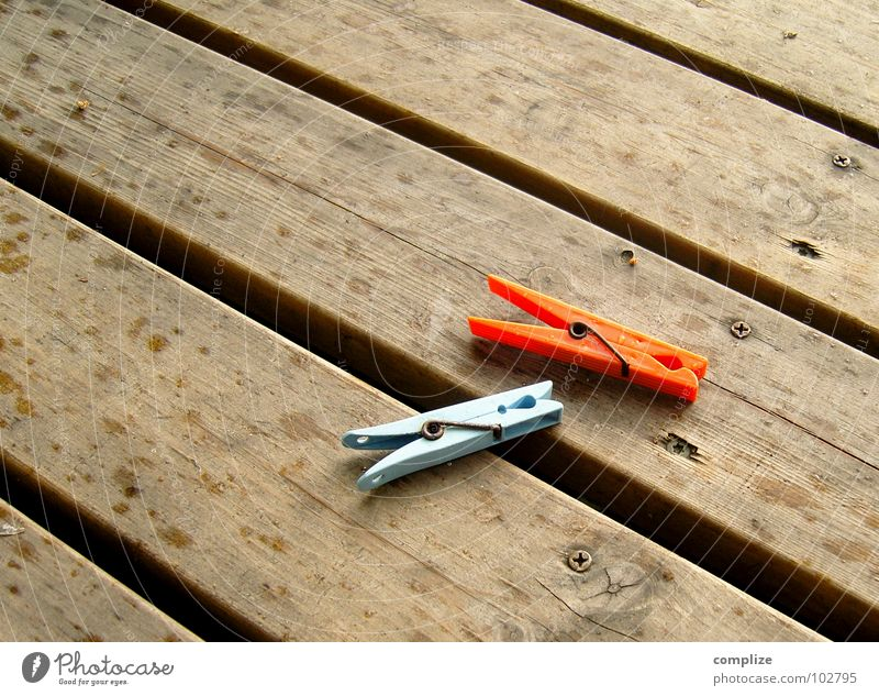 schnell abhängen! blau rot Sommer Wolken Erholung Holz Regen 2 orange Wetter braun nass Wassertropfen Geschwindigkeit Seil paarweise
