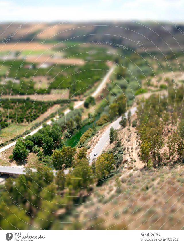 Mini-Straße in Andalusien Sommer Straße Landschaft klein Europa Surrealismus Miniatur Tilt-Shift Andalusien