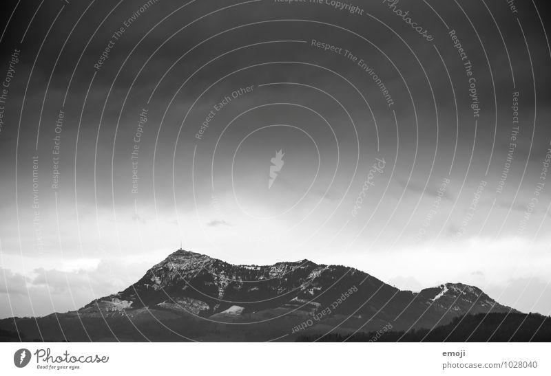 Rigi Umwelt Natur Himmel Herbst schlechtes Wetter Unwetter Alpen Berge u. Gebirge Gipfel bedrohlich dunkel Schwarzweißfoto Außenaufnahme Menschenleer
