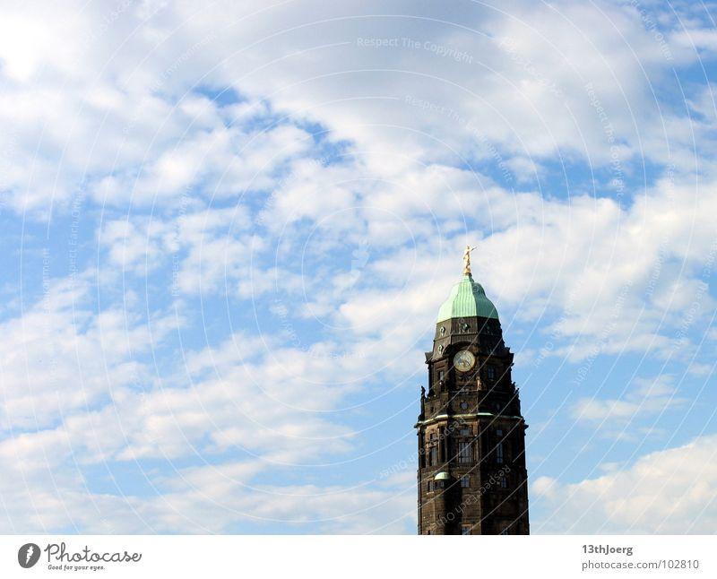 Richtungsweiser Rathaus Rathausturm Statue Turmuhr Turmspitze Symbole & Metaphern Dresden Sachsen Hauptstadt Wolken Wahrzeichen Denkmal Himmel gold
