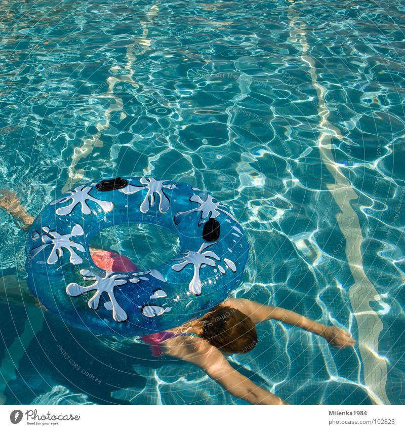 Drunter durch Frau blau Wasser Ferien & Urlaub & Reisen Sommer Freude Wärme Schwimmen & Baden Freizeit & Hobby Schwimmbad Italien Physik heiß tauchen Im Wasser treiben harmonisch