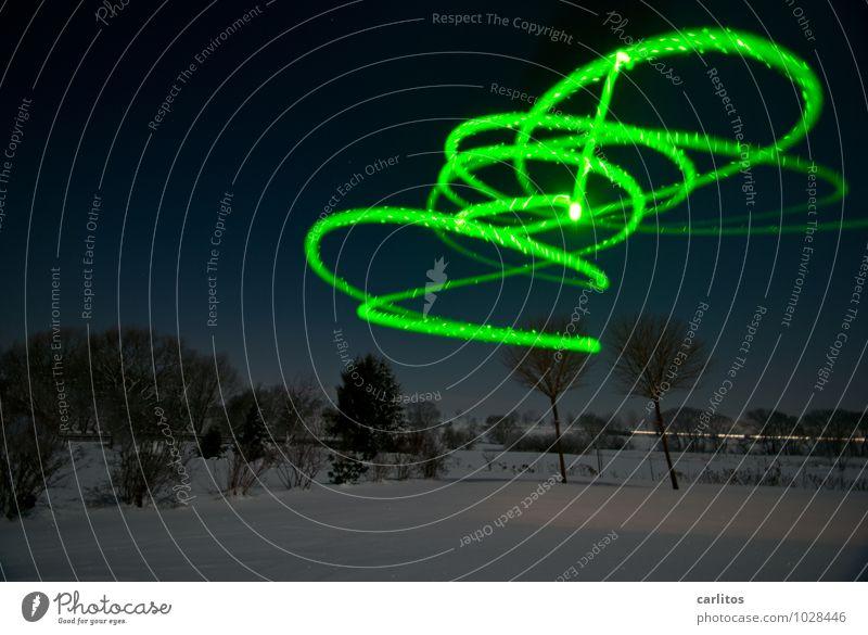 Marsianischer Drehwurm grün Winter Bewegung Schnee Landen Außerirdischer außerirdisch