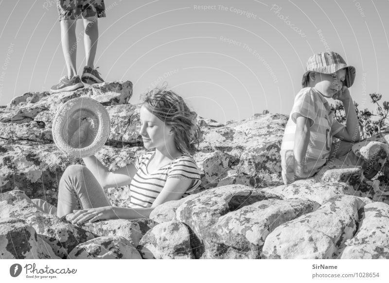 316 Mensch Kind Ferien & Urlaub & Reisen Jugendliche Sommer Sonne Junge Frau Erholung Berge u. Gebirge Freiheit Felsen Lifestyle Freundschaft Zusammensein