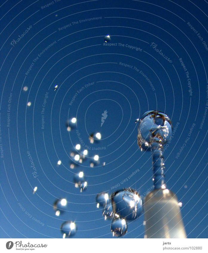 Wasserspiel II Wassertropfen Sommer Erfrischung Trinkwasser kalt nass Freude fliegen Himmel jarts