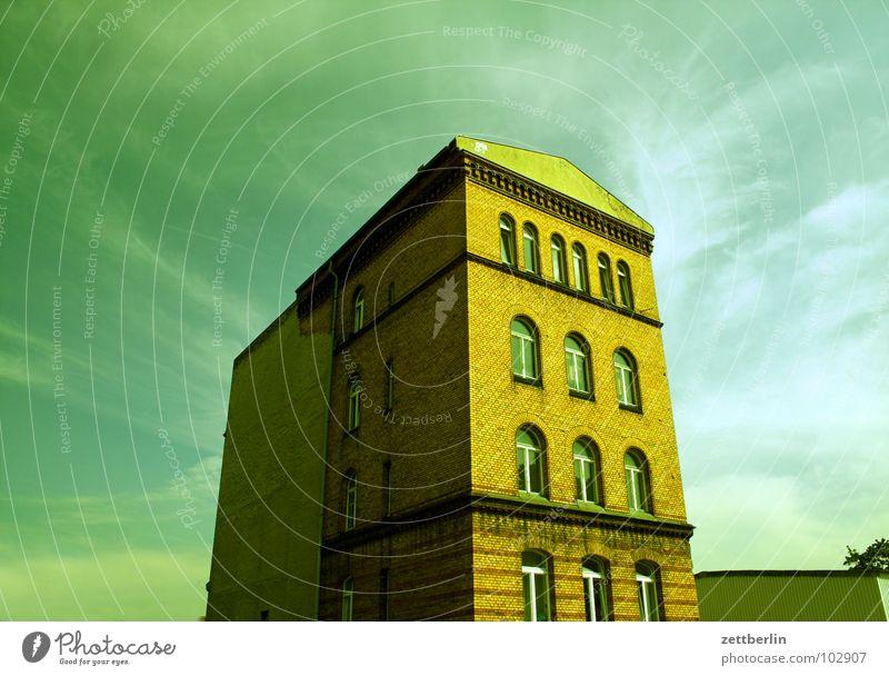 Haus Himmel Wolken Berlin Fenster Architektur Fassade Macht Etage Altbau Bürogebäude Cirrus Monolith