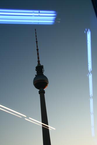 Leuchtturm Stadt Wege & Pfade Berlin Gebäude Deutschland Europa Platz Schönes Wetter historisch Turm Sehenswürdigkeit Skyline Wahrzeichen Hauptstadt