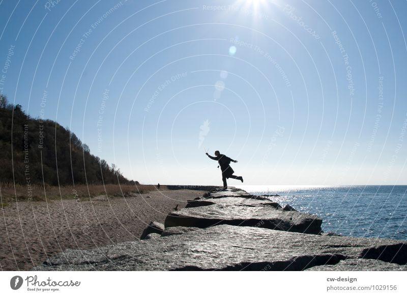 Seeluft tut gut Mensch Ferien & Urlaub & Reisen Mann Sonne Meer Landschaft ruhig Freude Strand Erwachsene Leben Küste Stil Sport Freiheit maskulin