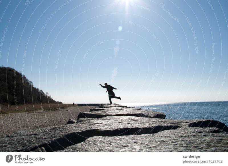 Sonnentanz Mensch Natur Jugendliche 18-30 Jahre Erwachsene Leben Küste Stil Freiheit Lifestyle maskulin Freizeit & Hobby elegant Zufriedenheit Fröhlichkeit