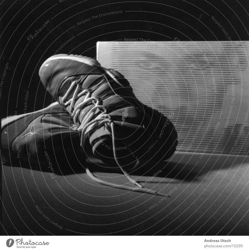 jordan 11 weiß Gesicht schwarz Sport Stil grau Schuhe Werbung Dinge Karton Israel Basketball Symbole & Metaphern Naher und Mittlerer Osten Jordan