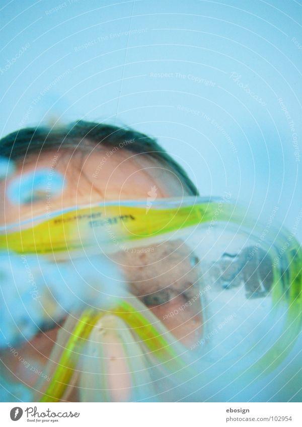 aqua blick tauchen Taucherbrille Schwimmbad hell-blau gelb stumm Sommer Freizeit & Hobby Luft Durchblick Unterwasseraufnahme Wasser Blick Perspektive