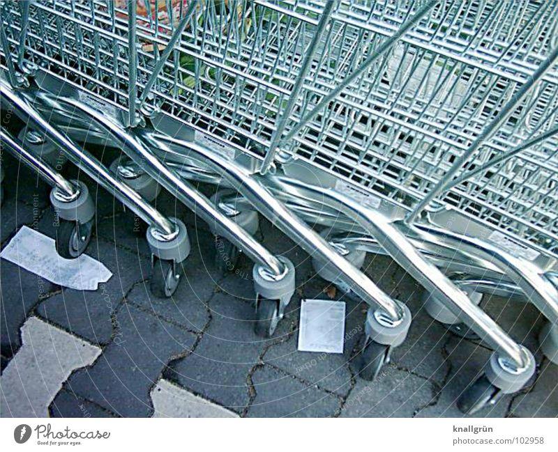 Auf Abruf Einkaufswagen grau Karre Quittung Dienstleistungsgewerbe Verkehr silber Ineinandergeschoben warten Rad Metall Konsum