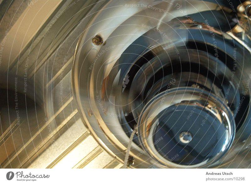 ventilator 1 Stil Metall glänzend Geschwindigkeit Dinge drehen rotieren anschaulich Ventilator