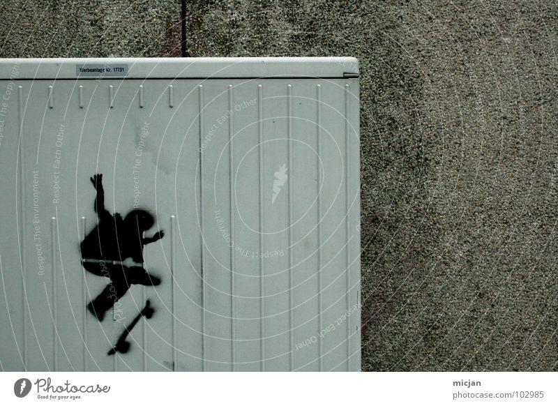 . gemalt Spray schwarz Skateboarding grau Wand Mauer simpel links unten Streifen Furche Schmiererei Verbote ungesetzlich Silhouette Kunst Schablone