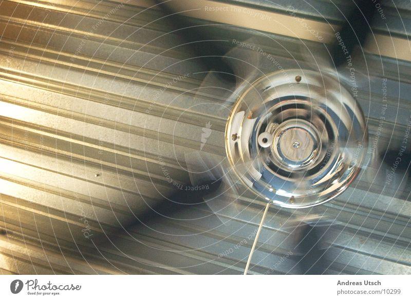 ventilator Stil Metall glänzend Geschwindigkeit Dinge drehen rotieren anschaulich Ventilator