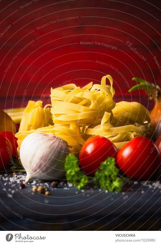 Nudeln mit Gemüsen, Lebensmittel Hintergrund rot Gesunde Ernährung Wand Stil Holz Hintergrundbild Design Kochen & Garen & Backen Küche Kräuter & Gewürze