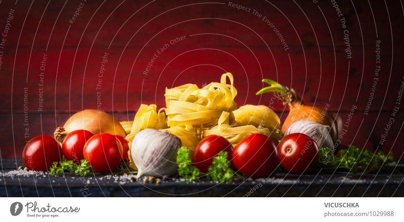Pasta Tagliatelle mit Tomaten und Gewürzen für Tomatensauce rot Gesunde Ernährung gelb Leben Stil Hintergrundbild Lebensmittel Design Küche Kräuter & Gewürze