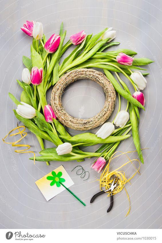 Frühlingskranz mit Tulpen machen Natur Pflanze grün weiß Sommer Blume Haus Wand Farbstoff Stil Mauer grau Feste & Feiern Garten rosa