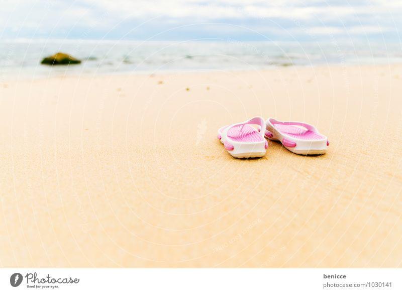 Endlich wieder am Strand Flipflops Sonne Sand Meer Küste Asien Bali Indonesien Ferien & Urlaub & Reisen Sandale rosa Menschenleer Reisefotografie Sommerurlaub
