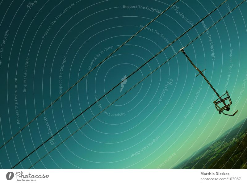 SESSELLIFT grün Berge u. Gebirge Seil leer einzeln Stahl diagonal Stahlkabel türkis abwärts Neigung alpin Sesselbahn Steigung blau-grün himmelwärts