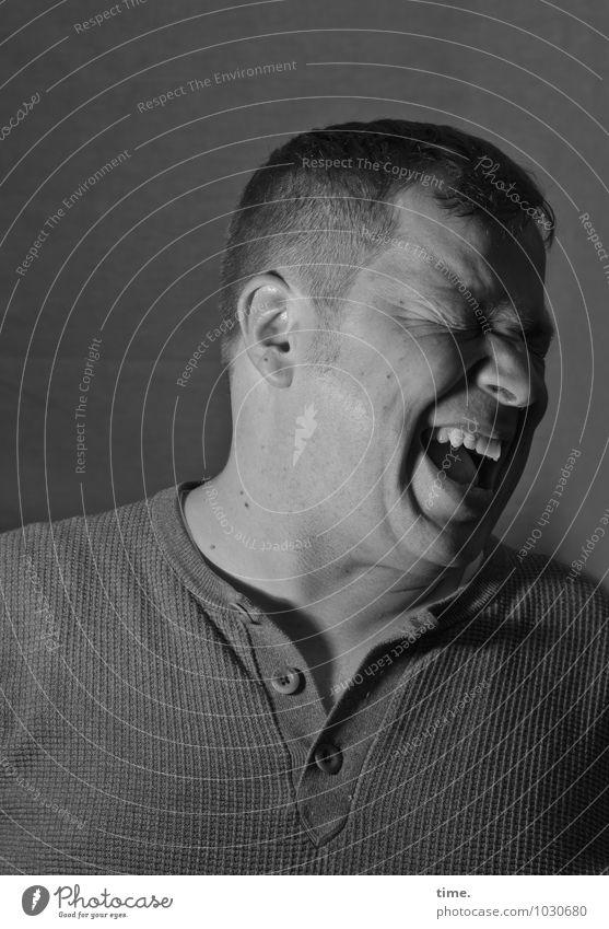 . Mensch Mann Freude Erwachsene Leben Gefühle lachen maskulin authentisch frisch Fröhlichkeit Leidenschaft Überraschung Hemd schreien Euphorie