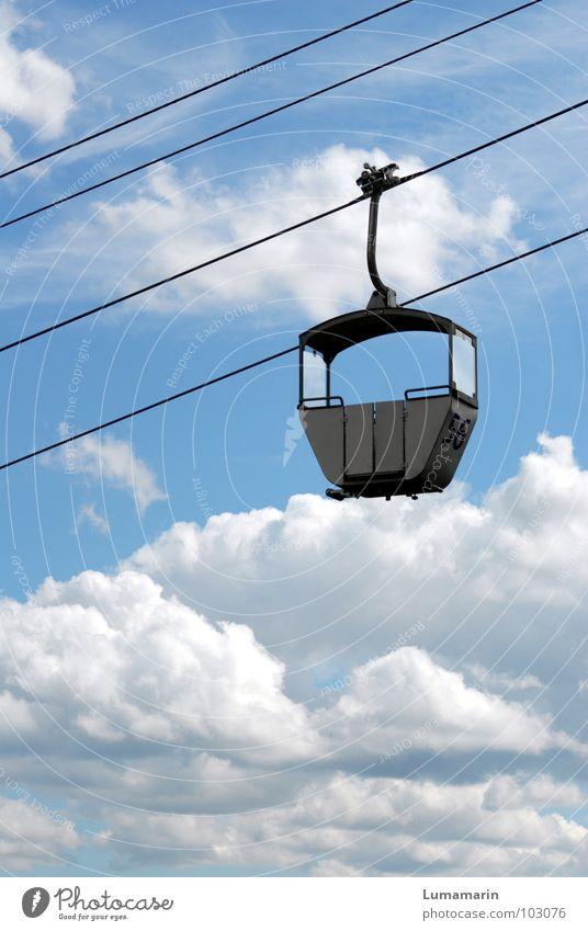 Linie 56: Himmelwärts Ferien & Urlaub & Reisen blau Sommer weiß Erholung Wolken Graffiti Wege & Pfade grau Freiheit oben Metall Wetter Freizeit & Hobby Erde