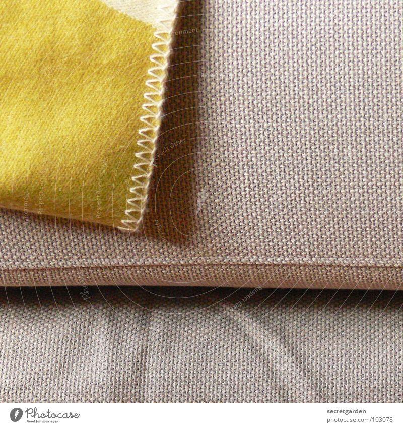 bedecktes sofa II Sofa Stoff grün giftgrün Wolle deckend kuschlig grau gemütlich Material Wohnzimmer Möbel ruhig Erholung Kissen Design Innenarchitektur Naht